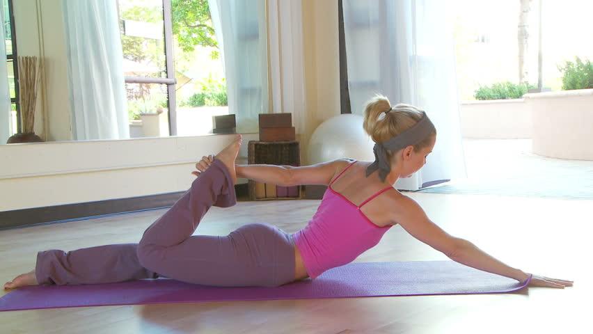 Yoga Class | Shutterstock HD Video #1007320