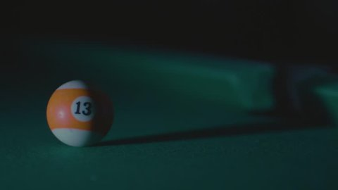 snooker ball with number thirteen fail