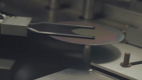 Innovative laboratory, automatic machine produces polishing of silicon wafers.