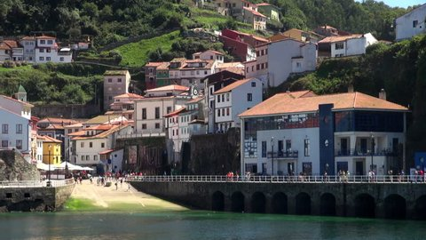 Time-lapse: A Busy Day in the Slipway of Cudillero