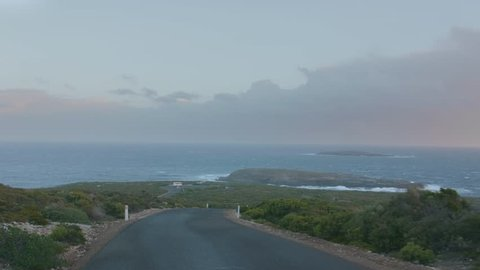 Driving to the Admirals Arch in Flinder's Chase National Park, Kangaroo Island