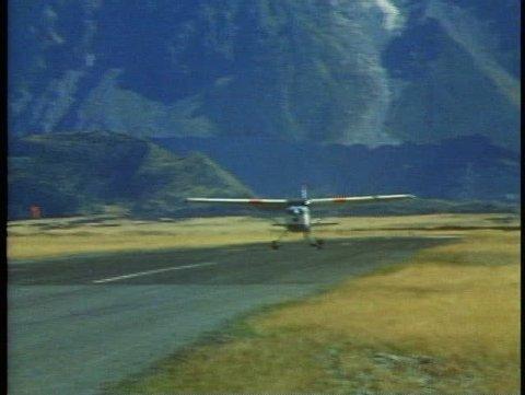 MOUNT COOK, NEW ZEALAND, 1985, Southern Alps, Cessna ski plane, take off
