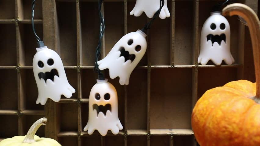 Vintage Halloween Lights Flashing on and off