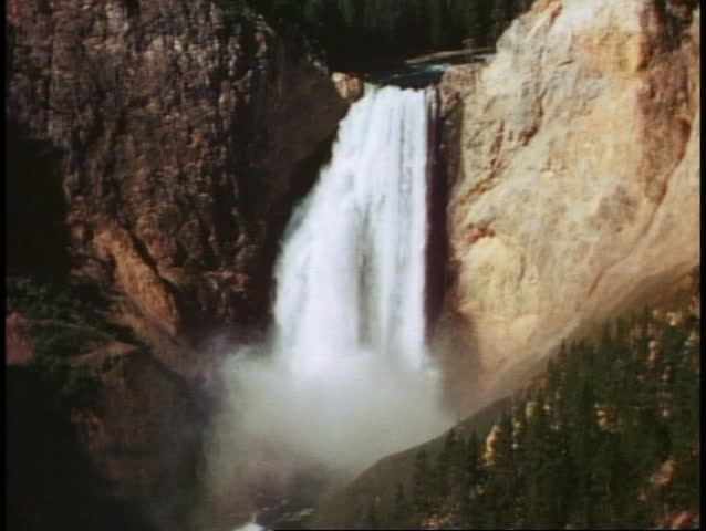 YELLOWSTONE NATIONAL PARK, WYOMING, 1978, Lower Falls, waterfall, medium close