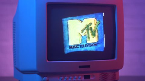 Montreal, canada - september 2018 : famous mtv channel intro on a old  vintage tv screen 80s 90s style