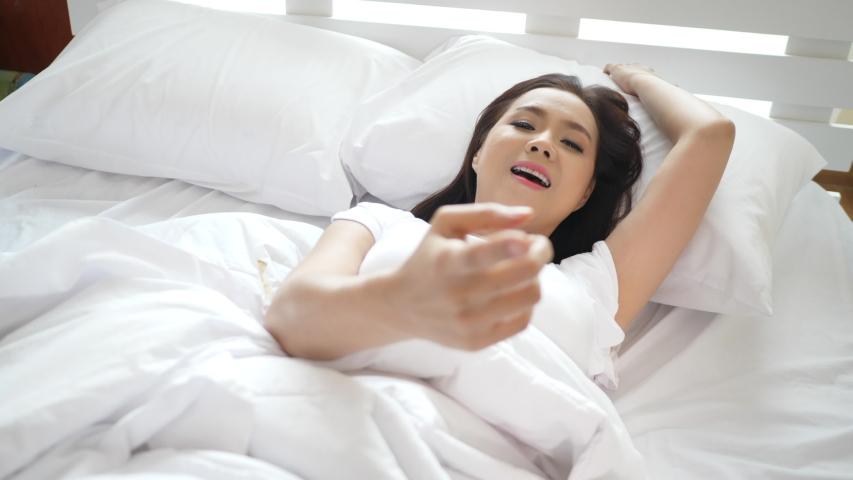 hot-fingering-woman