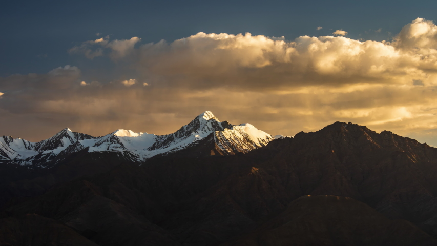 4K Timelapse of mountain peak at sunset, Leh, Ladakh, India | Shutterstock HD Video #1035828275
