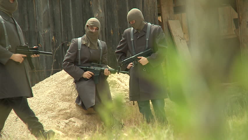 Unknown soldiers in camp, spy cam