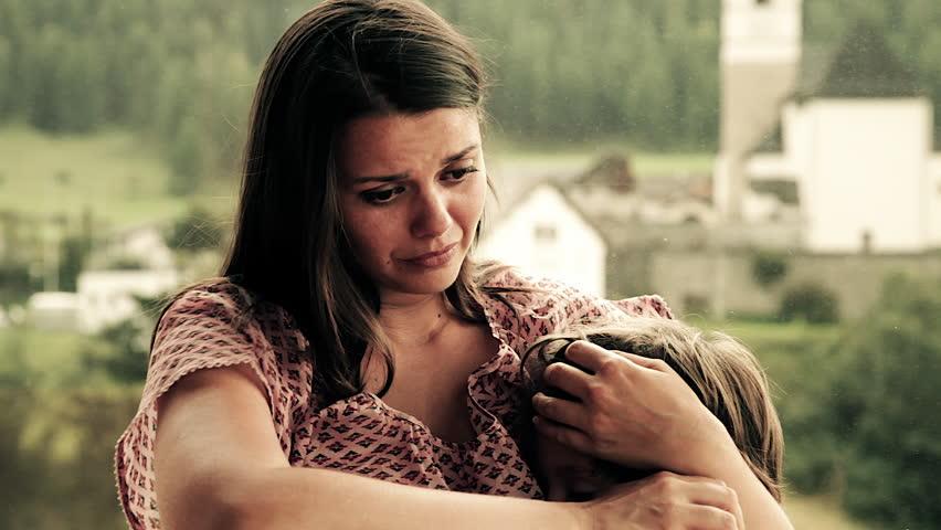 Rüyada Annenin Öldüğünü Duymak ve Ağlamak Üzülmek