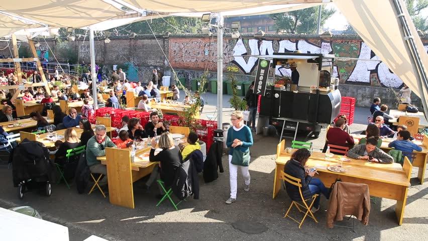 Street food parade in milano milan italy people eat on for Milan food market
