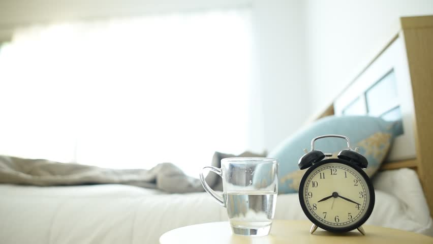 Resultado de imagen para glass of water next to bed