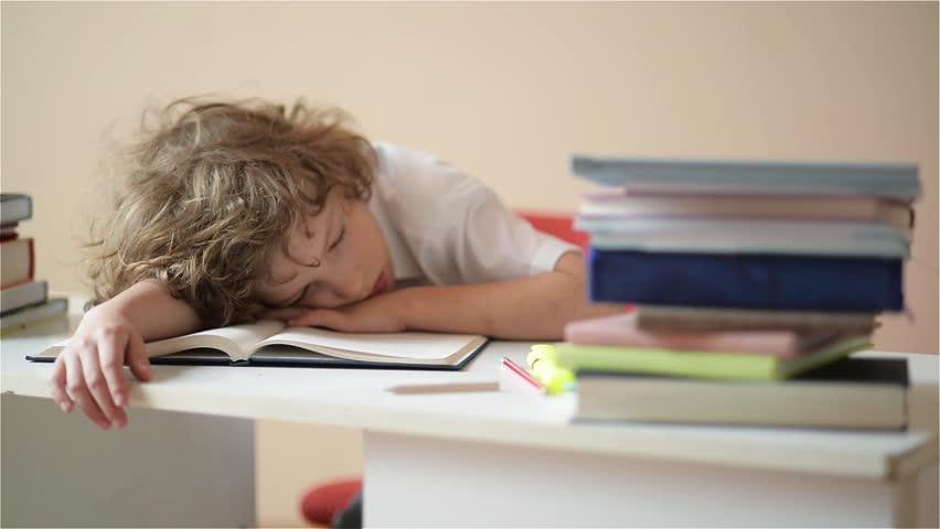 Cara Memotivasi Anak yang Malas Belajar