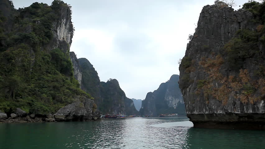 POV Ha Long Bay (Descending Dragon Bay), Vietnam, UNESCO World Heritage Site, Tour Boats (point of view) Spectacular Vietnamese Islands, Trip Dhow Ship, Beautiful Landscape Marine, Water Scene