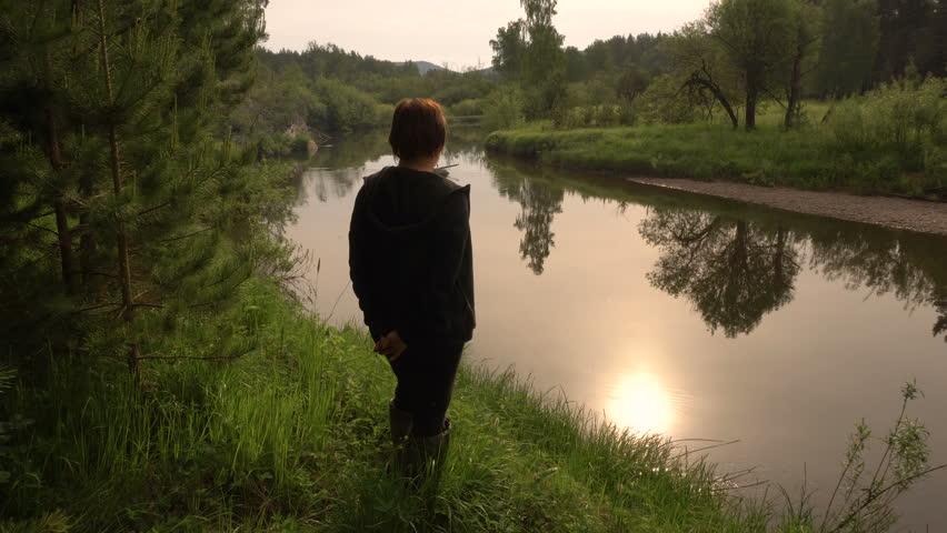 Мужчина женщина на речке видео фото 583-669