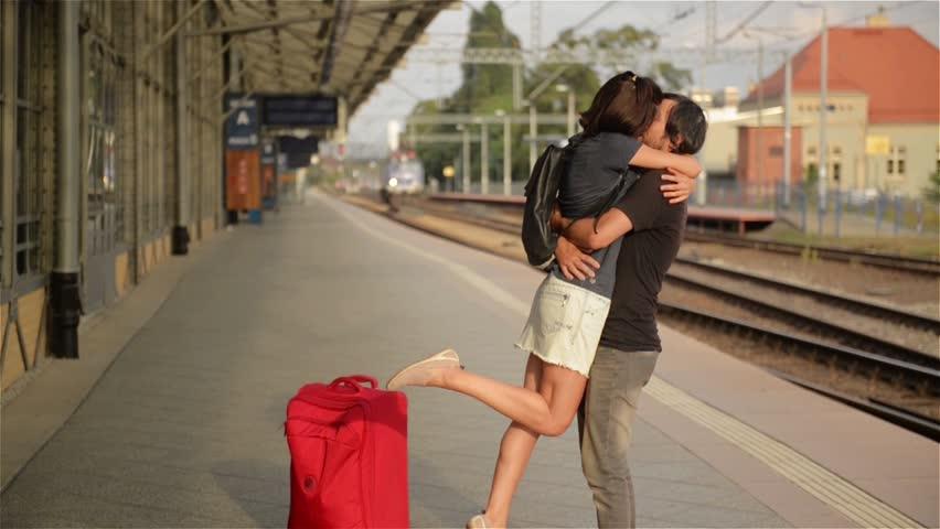نتيجة بحث الصور عن kissing in train station