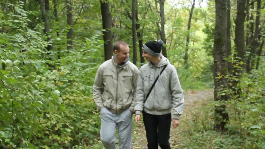 лес гей видео