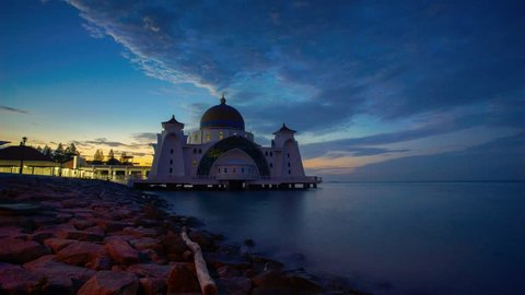Malacca Straits Mosque 4k Timelapse (Masjid Selat Melaka), Malacca, Malaysia