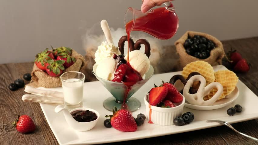 4K Strawberry Vanilla Ice Cream Cinemagraph #21585988