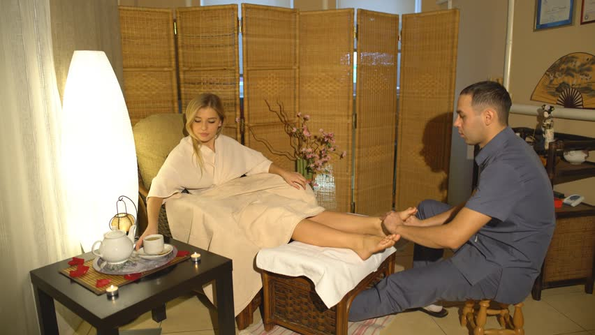 To obtain the maximum benefits from a massage, the most suitable oil should be chosen for that purpose.