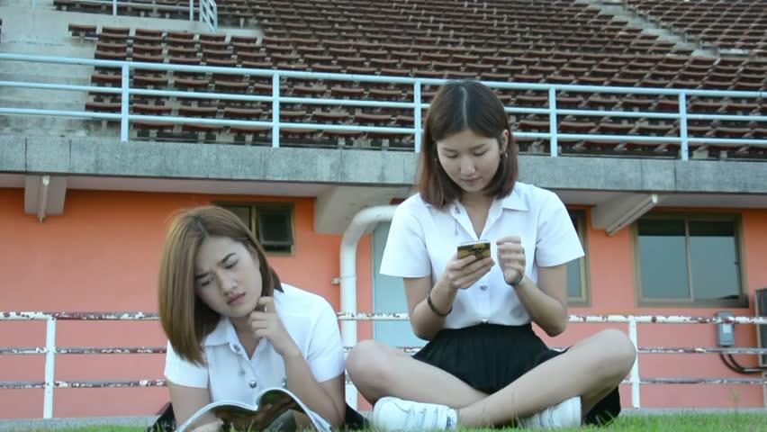 asian-college-girl-uni