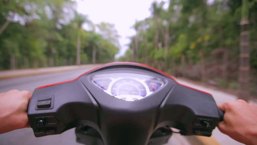 Header of scooter