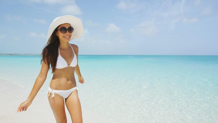 girls-in-bikini-videos