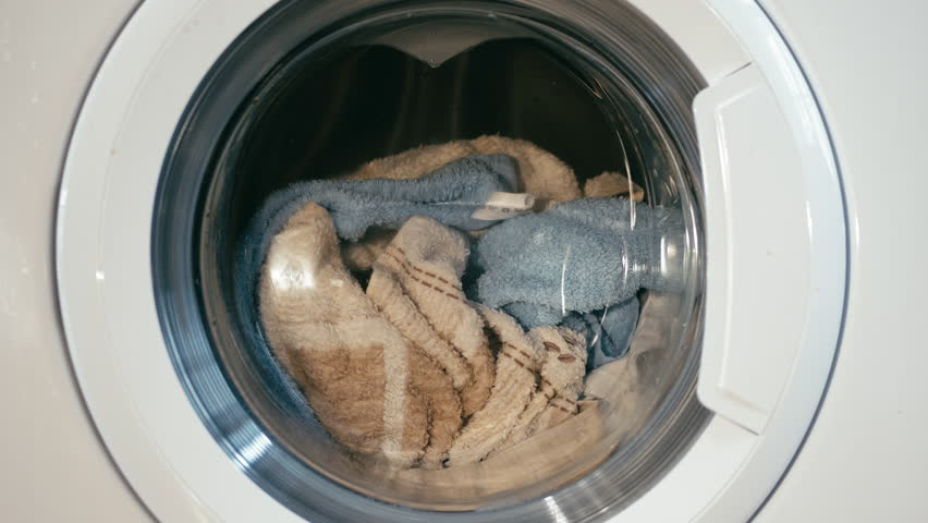 13 Off-Grid Washing Machine to Wash Your Clothes (and Get Them Dry) Without Electricity