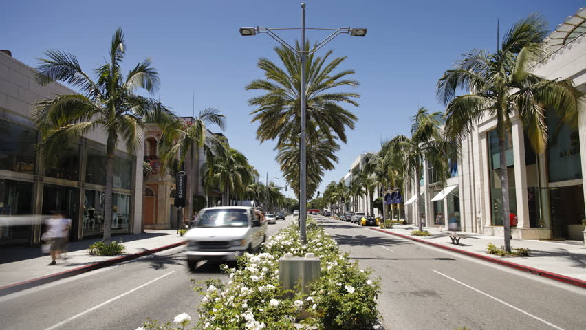 LOS ANGELES - CIRCA MAY 2011: Shoppers on Rodeo Drive, Beverly Hills