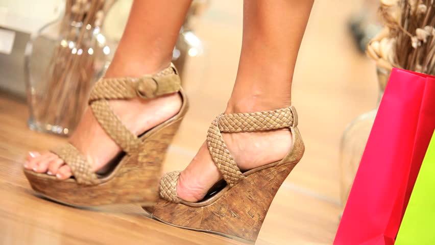 Fashionable Shoes Girls