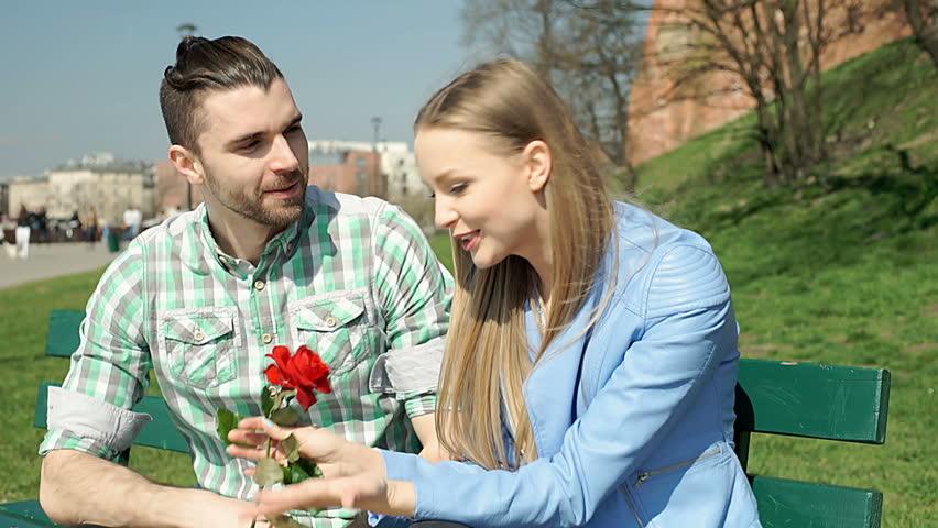 szabadban srácok randevúk csak társkereső alkalmazás meghívása