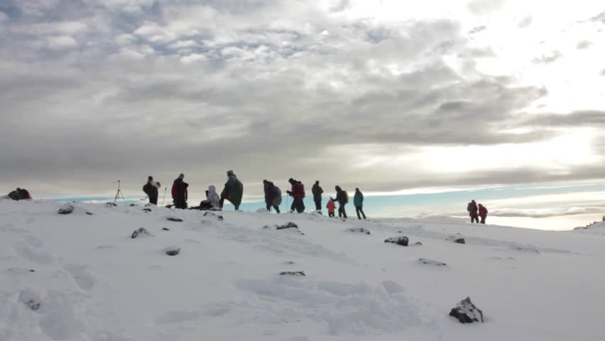 Track on Kilimanjaro to highest peak on the Machame Route Whiskey. 5 day