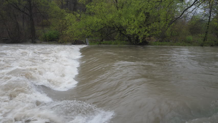 muddy river flood warning and action The muddy river is a small waterway located in the boston metropolitan area most of the 56 square mile watershed is located in the city of boston and the town of brookline, with a small portion located in the city of newton.