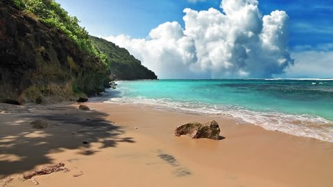 Turquoise shore loop