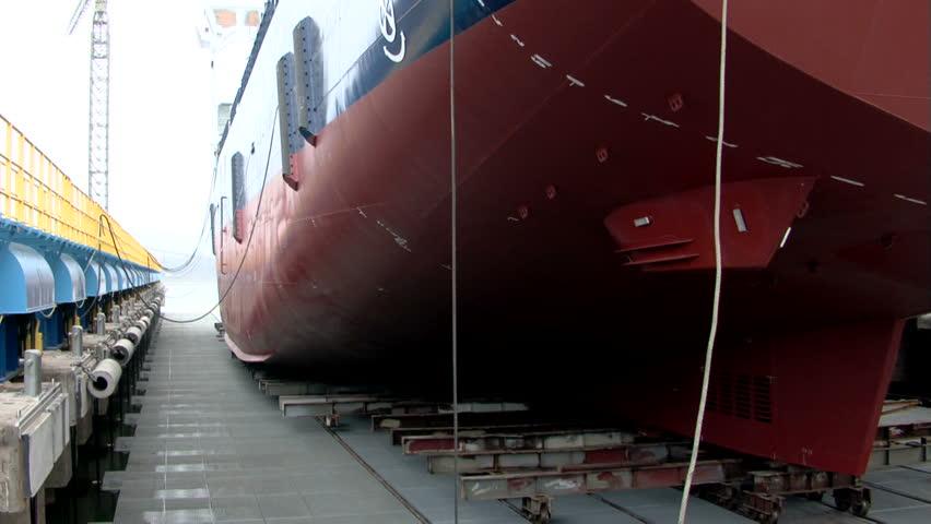 Shipyard timelapse / Vessel (release to water)