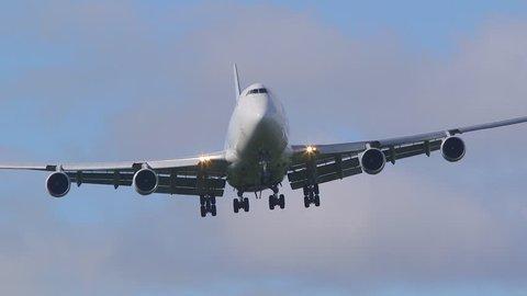 huge jumbo jet front view approach side slip cross wind