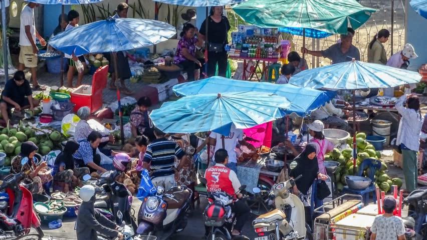sundays market friendly rightist - 852×480