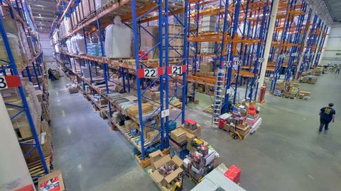 A top view on a warehouse operational routine.