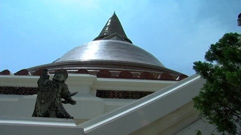 Wat Phra Pathom Chedi. Pan-right from the chedi, which is considered the oldest and largest Buddhist structure in Thailand.
