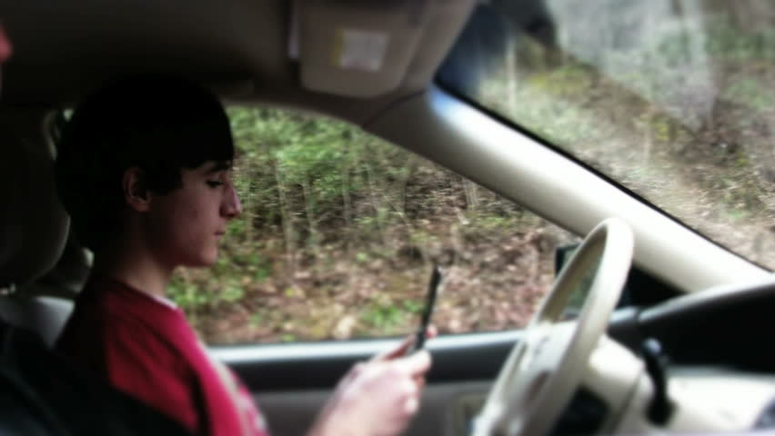 Teen texting and driving #3197125