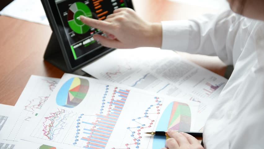 Businesswoman use tablet pc | Shutterstock HD Video #3250462