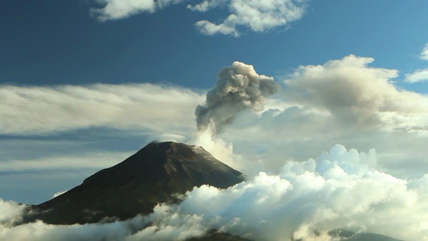 Time-lapse of Tungurahua Volcano erupting, March 2013, Ecuador.