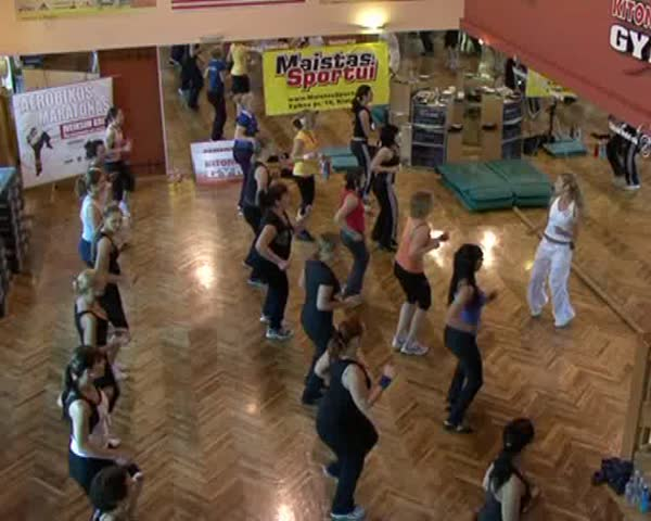 10 january 2009. Lugansk sport club. Girls perform fitness exercises at the gym.