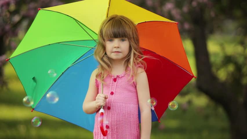 Little Kid With Umbrella Laughing 库存影片视频 100 免版税 3889895 Shutterstock