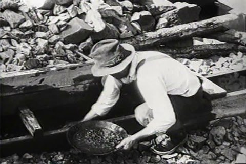 1930s - In Spring Creek, South Dakota, gold is still found in the hills in 1931.