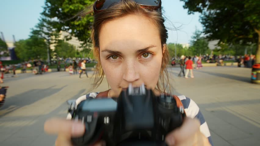 Tourist travel photographer photographing London city at sunset | Shutterstock HD Video #4362914