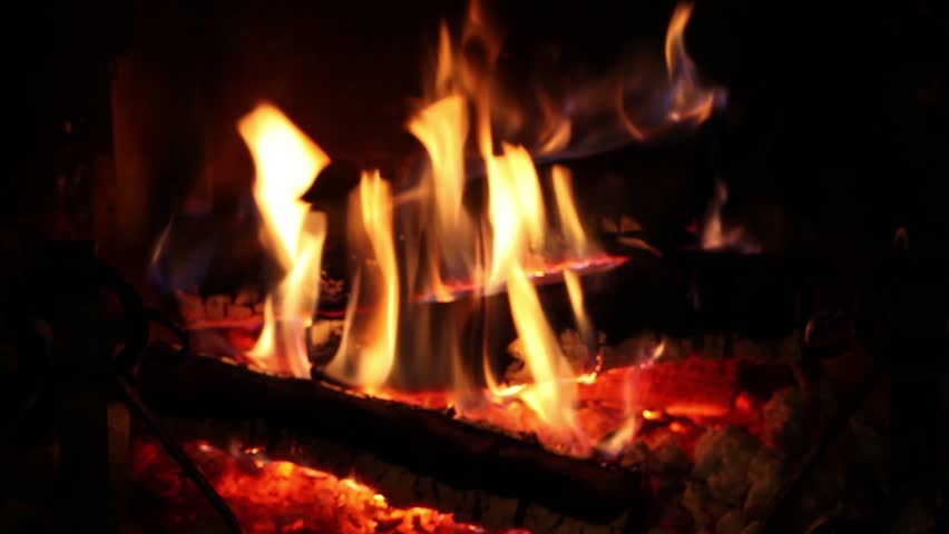 Video clip of burning fire in the fireplace.