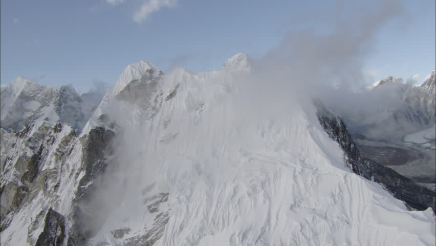 WS AERIAL ZI ZO View Of Avalanche On Tordrillo Snowy Mountain - United states mountain ranges