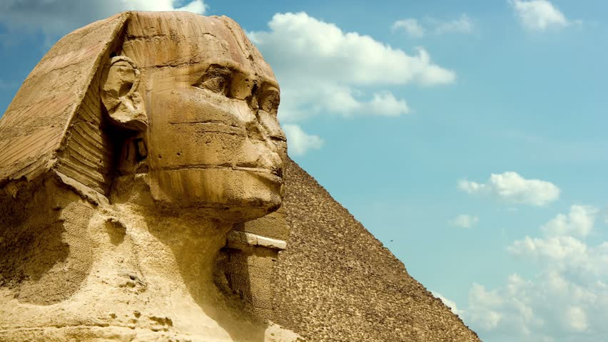timelapse clouds quickly fly over the Sphinx