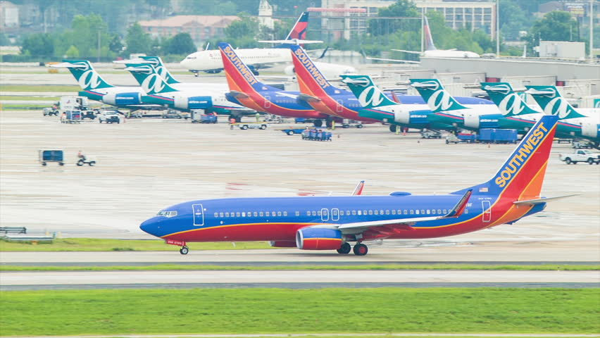atlanta 2014 southwest airlines boeing 737 on a taxiway at hartsfield jackson atlanta international airport stock footage video 7086655 shutterstock