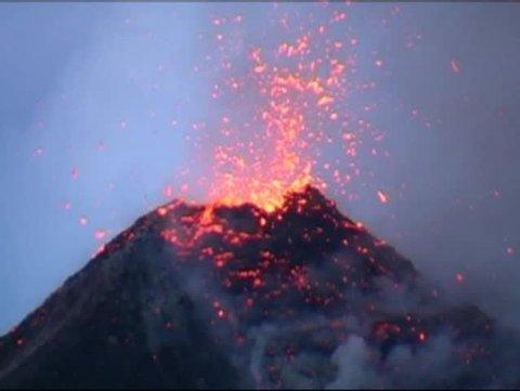 Erupting volcano in central america  Volcano Fuego